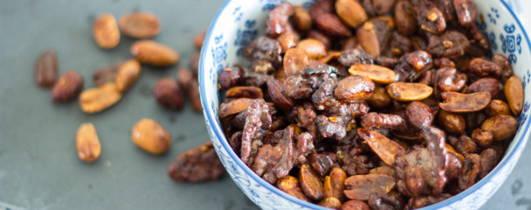 (Recipe) Snacking Roasted Nuts with Vegemite